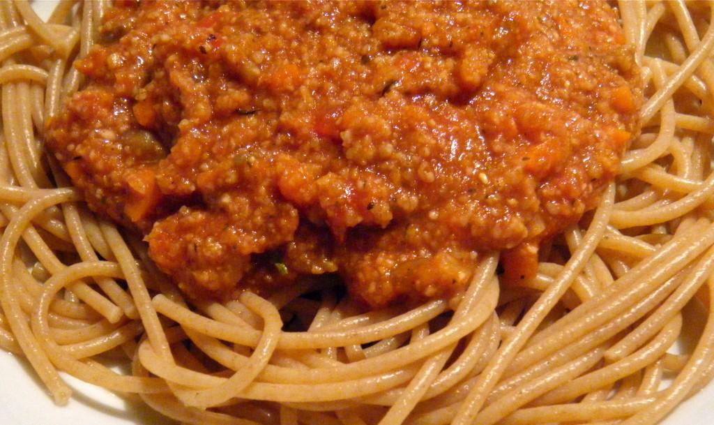 Spaghetti mit Grünkern-Tomaten-Sauce