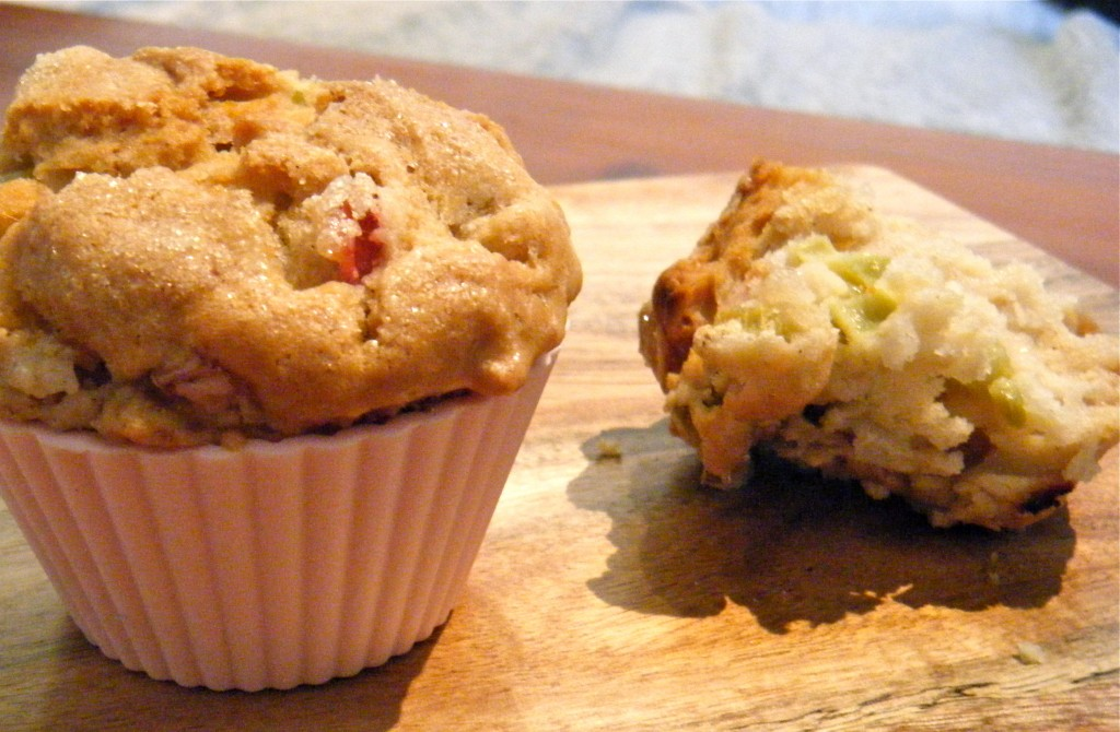 Rhabarber-Nuss-Muffins