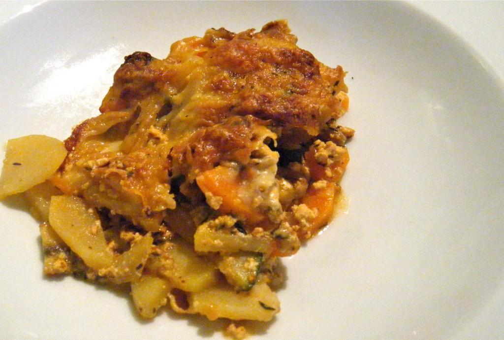 Leicht mediterraner Gemüse-Kartoffel-Auflauf mit Tofu