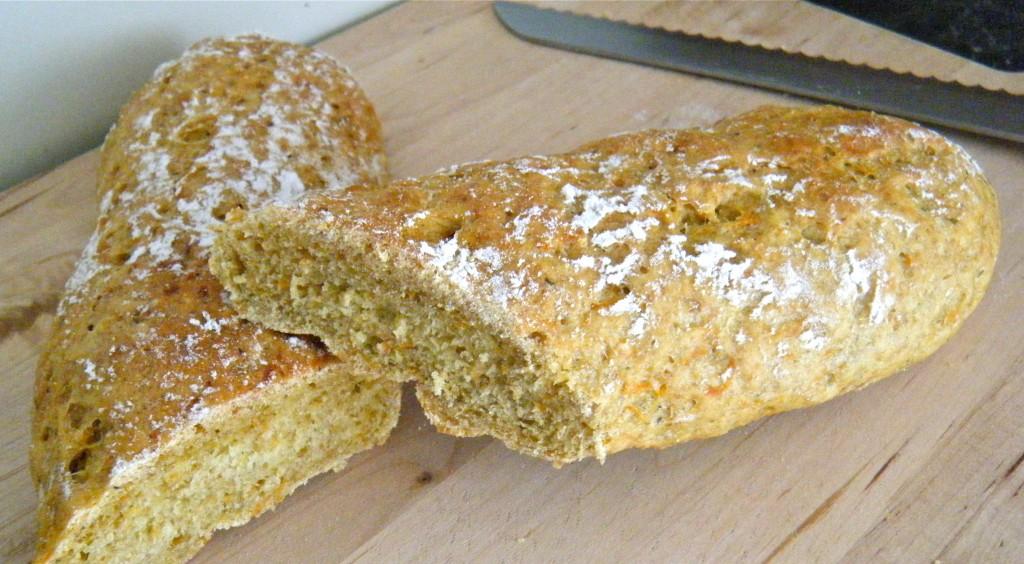 Grünkern-Möhren-Zucchini-Baguette