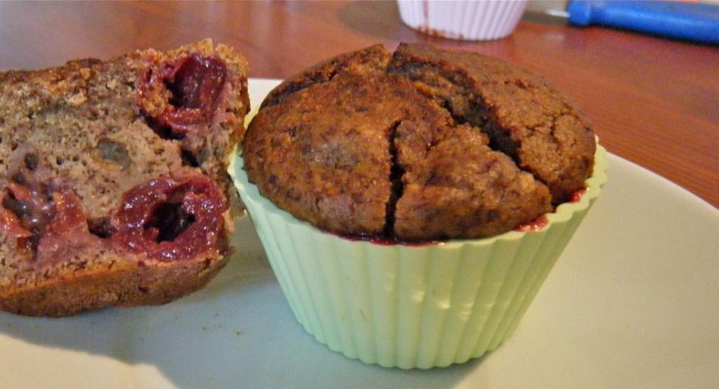 Schoko-Kirsch-Nuss-Muffins (glutenfrei)