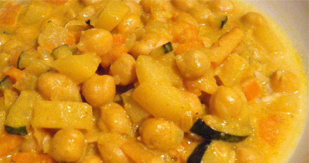 Kichererbsen-Gemüse-Curry mit viiiel Kokos