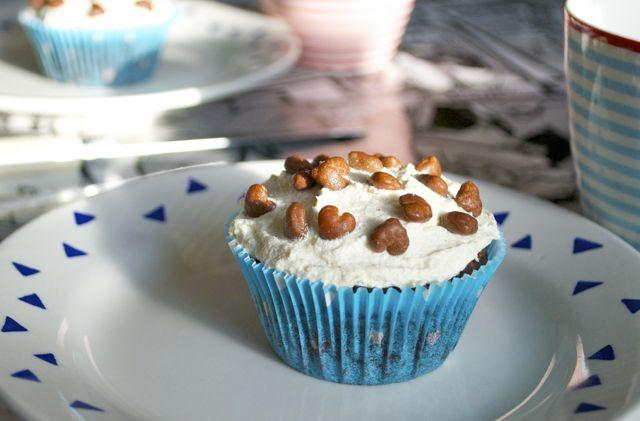 Schoko-Cupcakes mit Vanille-Frosting