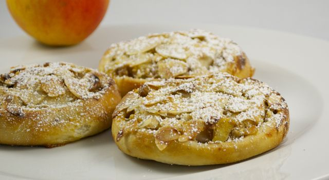 Fruchtige Apfel-Walnuss-Mandel-Schnecken