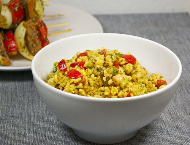 Bulgur-Kichererbsen-Salat mit Paprika