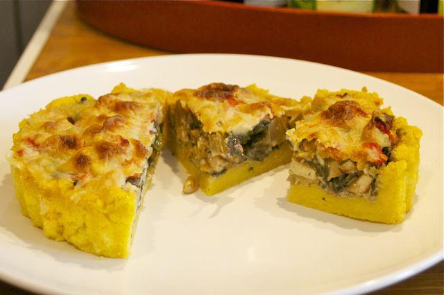 Polenta-Tartes mit Mangold und Tomaten
