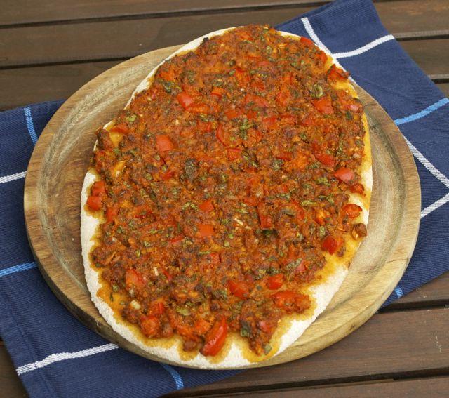 Türkische Pizza unbelegt